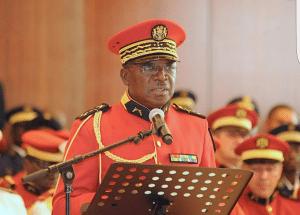 """Gal Kouna commandant en chef de la GR cousin dAli Bongo 300x215 - Gabon, une """"garde républicaine"""" préposée aux basses oeuvres"""