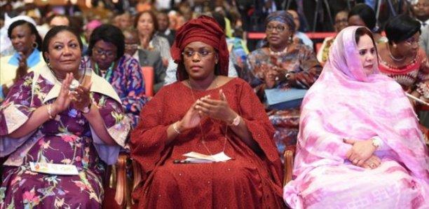 L'ex première dame à un colloques sur la promotion de la femme